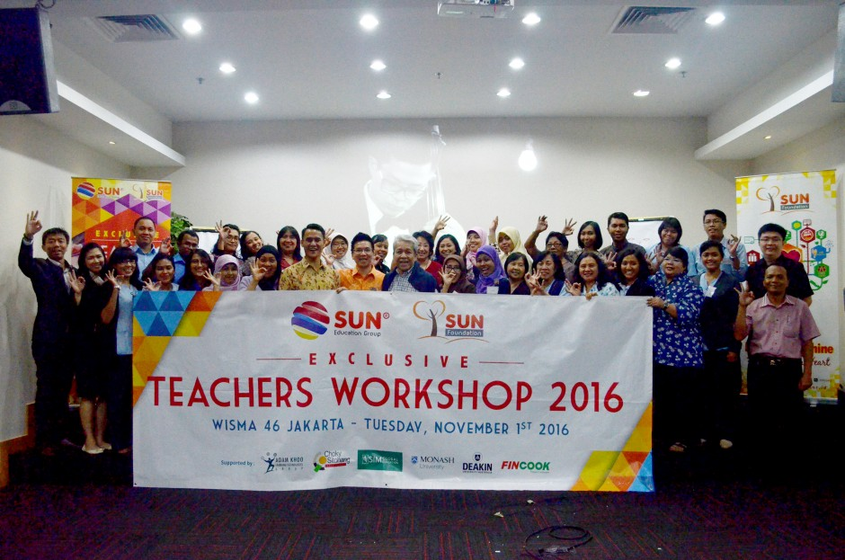 Seluruh peserta Teachers Workshop 2016